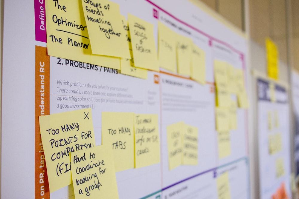 Strategian tai liiketoiminnan muotoilu